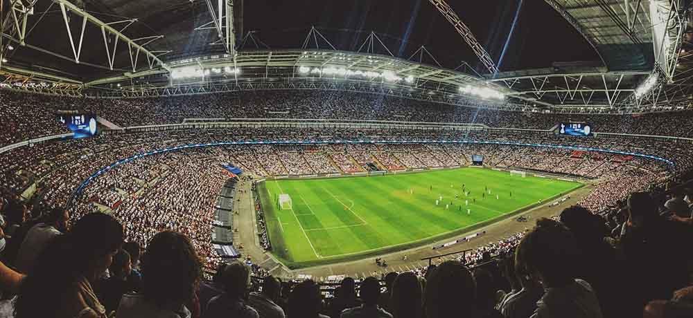 gefülltes Fußballstadion - FA Cup Wetten