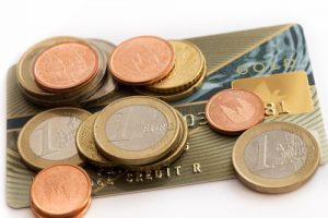 euromuenzen-kleingeld-kreditkarte
