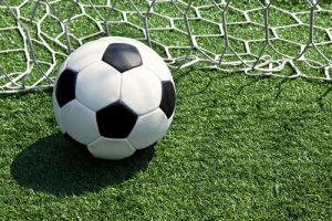 fussball-ball-eingenetzt