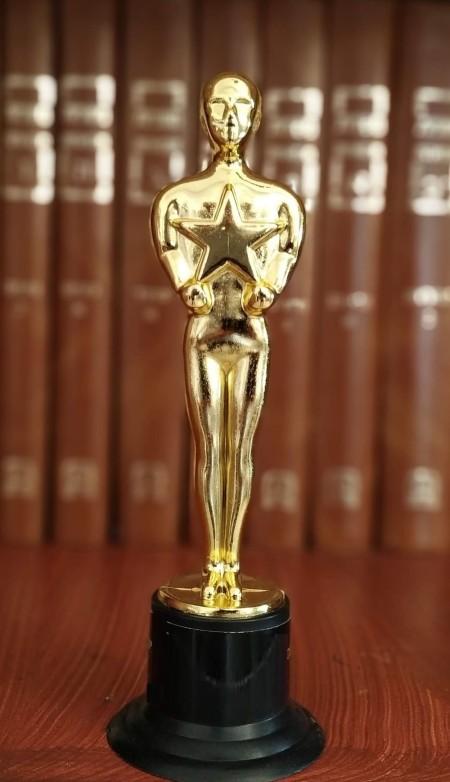 oscar movie trophy