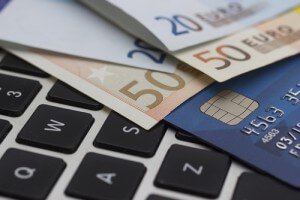 pc_tastatur_geld_kreditkarte_bezahlung