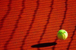 tennisplatz-ball